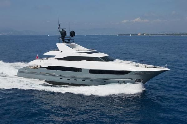 Mega Yacht, competitive price, low hours, 2009, Ref YT8791